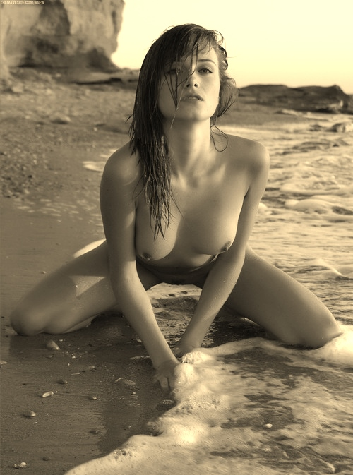 jolie femme lingerie 166