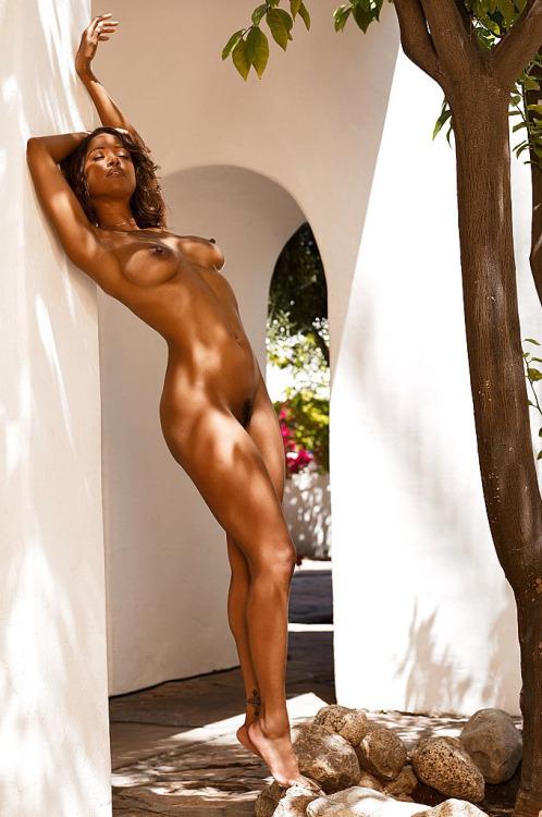 photo hot femmes nues 036